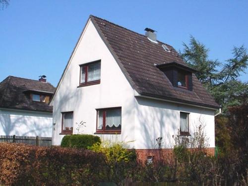 Hamburg-Sasel: Verkauf eines Einfamilienhauses und Grundstücksteilung